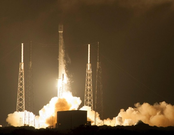 Falcon 9 AsiaSat 8 launch